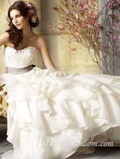 Modern A-Line Sweetheart Court Train Organza Wedding Dress 2013 [10111518] - US$400.99 : DressKindom