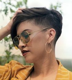 There is Somthing special about women with Short hair styles. I'm a big fan of Pixie cuts and buzzed cuts. Enjoy the many different styles. Short Shaved Hairstyles, Undercut Hairstyles, Hairstyles With Bangs, Summer Hairstyles, Men Undercut, Men's Hairstyle, Black Hairstyles, Super Short Hair, Short Hair With Bangs