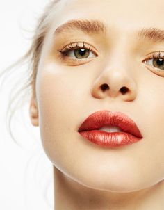 #shinefest Metallic smooth texture lipstick -  Bright colours with a metallic finish and gel texture - Bershka #lipstick #metallic #gel #bershka