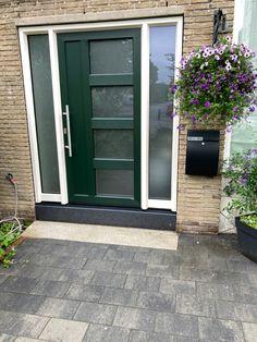 Voordeur origineel Gayko eigen stijl en smaak Outdoor Decor, Decor, Garage Doors, Home, Doors, Home Decor
