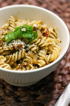 Pasta with spinach and tomatoes - Dania - Makaron Spinach Pasta, Orzo, Food And Drink, Cooking, Ethnic Recipes, Tomatoes, Diet, Kitchen, Kochen