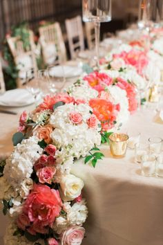 now THIS is a centerpiece #floral #flower #runner #table #candles #spring #summer Photo: Abby Grace Planning: Atrendy Wedding