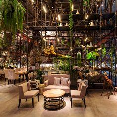 Vivarium, Bangkok, Thailand, by Hypothesis  restaurant interieur bar scheidingswand groen rek