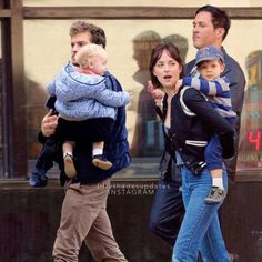 The Grey Family walking down in the street, Fifty Shades Freed