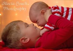 Sibling Christmas Photography ©Alecia Couch Photography