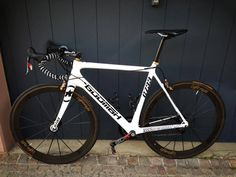 """The new GOOMAH G733 custom paint in white pearl. Like every beauty """"she"""" is something special!  #Goomah #roadbike #cycling #procycling"""