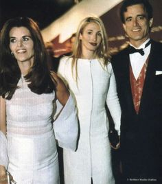 Carolyn Jeanne Bessette-Kennedy (January 7, 1966 – July 16, 1999) was the wife of John F. Kennedy, Jr. Description from imgarcade.com. I searched for this on bing.com/images