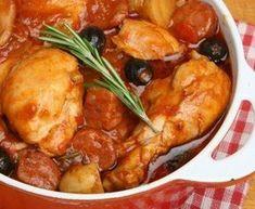 cuisse de poulet, oignon, ail, poivron, tomate, vin blanc, paprika, chorizo, olive noire, poivre, Sel, herbe