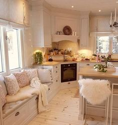 Pretty, pretty, pretty, this kitchen is serious . – Tiny house family idea – The Best Ideas Shabby Chic Kitchen, Home Decor Kitchen, Interior Design Kitchen, Home Kitchens, Kitchen Ideas, Boho Kitchen, Interior Modern, Diy Kitchen, Room Interior