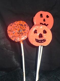 Chocolate Covered Apple Pops for Halloween · Edible Crafts | CraftGossip.com