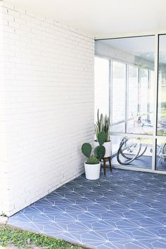 Faux Cement Tile DIY - using floor outdoor paint and two types of sharpies - big bang for little bucks like $50