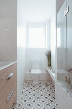 Spanish style homes – Mediterranean Home Decor Serene Bathroom, Small Bathroom Sinks, Bathroom Floor Tiles, Bathroom Layout, Master Bathroom, Bathroom Ideas, Small Toilet Room, Inexpensive Bathroom Remodel, Bathroom Design Luxury