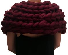 Knitted super chunky tassel scarf. Giant knit shawl. door Millsyarn
