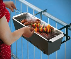 BBQ Bruce Handrail Grill perfect for apartments... so want this!!!