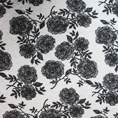 Digitrikoo: Ruusut meleerattu-musta