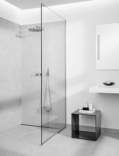 minimalistic shower