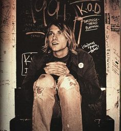 RIP Kurt Cobain - Today Is The 19th Anniversary Of His Death. *Sigh* :'/