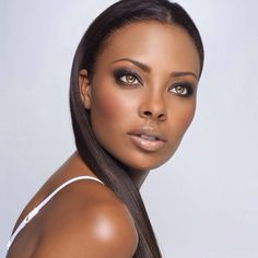 Beauty shots of the gorgeous ANTM Cycle 3 Winner - Eva Marcille Pigford Eva Marcille, Brown Lipstick, Nude Lipstick, Afro, My Black Is Beautiful, Beautiful Eyes, Brown Skin, Dark Skin, Beauty Makeup