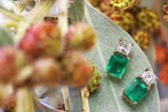 Natural Colombian Emerald and Diamond woman stud earrings 18K yellow gold – J R Jewels