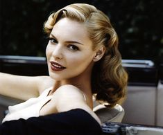 <3 this look Katherine hiegle as pin up girl