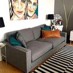 Grå Valen linnesoffa med nitar. Soffa, linne, krom, silver, vardagsrum, möbler, dun, inredning, djup, låg. http://sweef.se/soffor/111-valen-soffa-i-linne.html