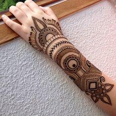 Stylish Henna Mehndi Designs for Hand - Kurti Blouse Henna Hand Designs, Mehandi Designs, Mehndi Designs 2014, Mehndi Designs Finger, Indian Mehndi Designs, Modern Mehndi Designs, Mehndi Design Pictures, Beautiful Mehndi Design, Bridal Mehndi Designs