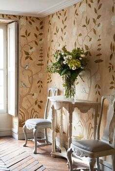 I can no longer defend my fear of wallpaper. Interior Decorating Styles, Home Decor Trends, Interior Design Boards, Ivy House, Of Wallpaper, Painted Wallpaper, Chinoiserie Wallpaper, Shabby, Traditional Decor