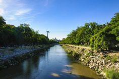 📷 @jlajaus 2017. Madrid, Teleférico y puente de la Victoria desde la ribera del Manzanares