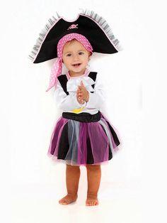 Disfraz sencillo de pirata para niña | Padres