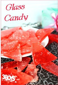 Fashioned, Stained Glass Candy I want to do this with my kids! Glass Candy Tall Old Fashioned, Stained Glass Candy RecipeI want to do this with my kids! Glass Candy Tall Old Fashioned, Stained Glass Candy Recipe Köstliche Desserts, Delicious Desserts, Dessert Recipes, Yummy Food, Oreo Cake Pops, Stained Glass Candy Recipe, Yummy Treats, Sweet Treats, Crack Crackers