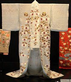 Costume worn by kabuki actress Bando Mitsue, Edo period, 19th century