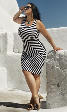 Sexy plus size dress #curvy #thick #voluptuous