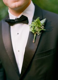 greens + herbs boutonniere | Melissa Schollaert #wedding