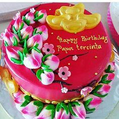 Special for Papa birthday cake Chinese Birthday, Chinese Cake, Happy Birthday, Birthday Cake, Themed Cakes, Cake Ideas, Bakery, Birthdays, Asian