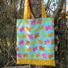 Sac, tote-bag enfant, sac de bibliothèque doublé et réversible chats,étoiles, rose jaune vert orange