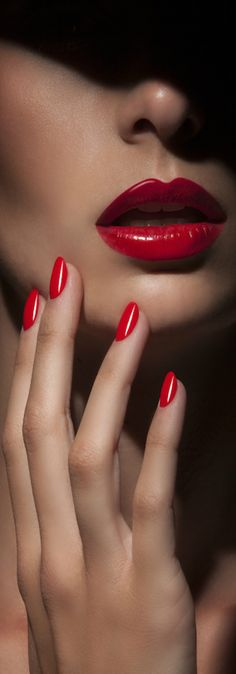 ♔| Red luxe #lips and #nails