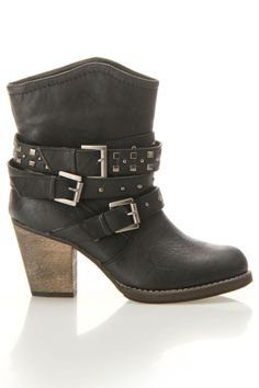 Studded buckle boots / Machi $30