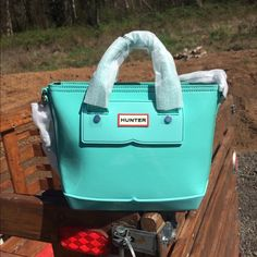 HUNTER Original mini tote Adorable New Hunter purse! Great for spring and summer!☀️ Hunter Boots Bags Crossbody Bags