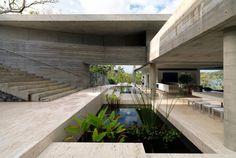 Esta casa ecológica diseñada por Renato D'Ettorre Arquitectos se encuentra frente al mar en Hamilton Island, Australia.