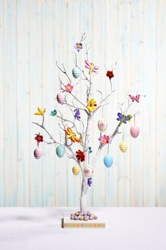 Hobbycraft Easter white tree #easter #whitetree #decorations #centerpiece #eggs