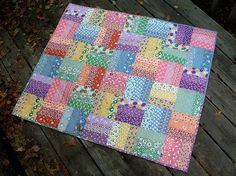 Super patchwork quilting for beginners rail fence ideas Mini Quilts, Strip Quilts, Scrappy Quilts, Small Quilts, Easy Quilts, Patchwork Quilting, Doll Quilt, Rag Quilt, Quilting Projects