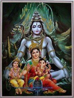 Family: Ganesh, Karthikeya, Parvati