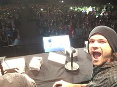 """All the tealights in the audience for #AlwaysKeepFighting. Jared Padalecki responds to incredible fan surprise supporting his battle with depression: """"It took everything not to cry."""" Supernatural panel at ComiCon."""