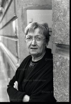 Mascha kaleko a beautiful beloved german jewish poet of the 1930s christine nstlinger sterreichische autorin fotografie sepp dreissinger fandeluxe Gallery