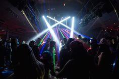 festa-tema-tomorrowland-isabelle-luzes-pista-luiz-claudio-fotografia