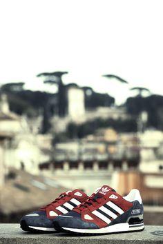 adidas ZX 750 Scarpa uomo, da running, evoluzione della ZX 700. Tomaia in pelle scamosciata e tessuto. Suola in gomma. Exclusive edition. Prezzo: 95.00 € SHOP ONLINE: www.athletesworld...