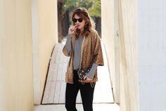 . Camiseta / Tee: Vila via Buylevard (HERE)  . Kimono / Velvet kimono: Zara (old) More HERE  . Bolso / Bag: vintage (Similar HERE)  . Botas / Boots: Topshop (old)  . Gafas / Sunnies: RayBan