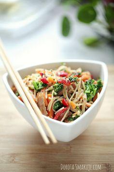 Rice Noodles, Tofu, Pasta Salad, Chili, Lunch, Diet, Vegetables, Ethnic Recipes, Crab Pasta Salad