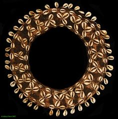 Africa | Necklace worn by the Kuba peoples of DR Congo | Raffia and cowrie shells | late 20 century.