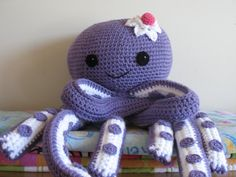 Etsy - Octopus Novelty Pillow PDF Pattern--FREE pattern for mini octopus included Crochet Crafts, Crochet Toys, Crochet Baby, Crochet Projects, Crochet Cushions, Crochet Pillow, Amigurumi Patterns, Crochet Patterns, Under The Sea Crafts